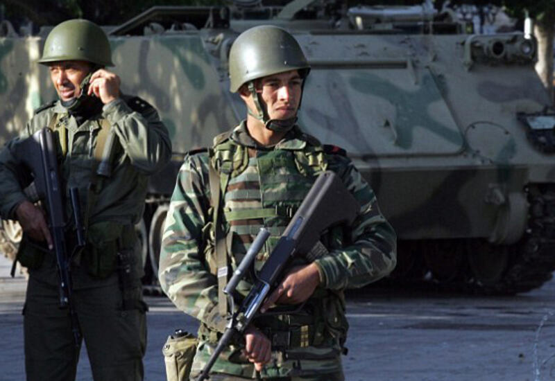 Власти Туниса продлили режим чрезвычайного положения