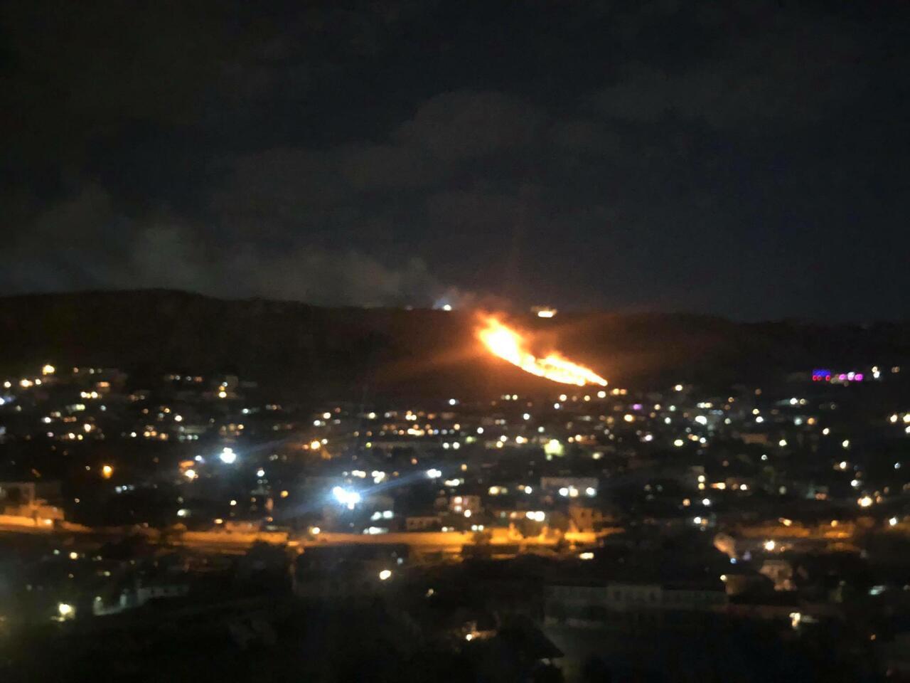 Крупный пожар в поселке Бадамдар