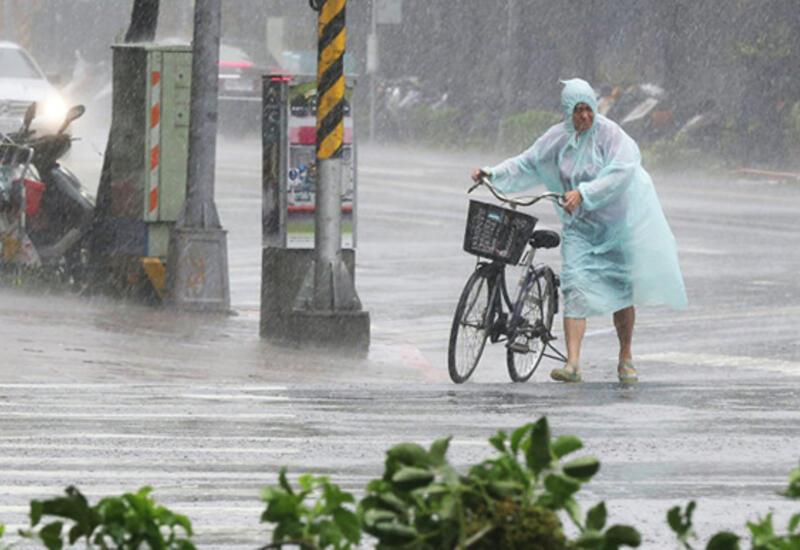В Токио прогнозируют сильные дожди и волны из-за надвигающегося тайфуна