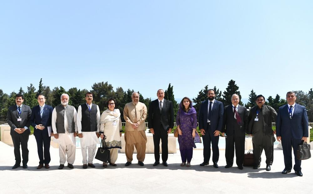 Президент Ильхам Алиев принял делегацию во главе с председателем Национального собрания Пакистана