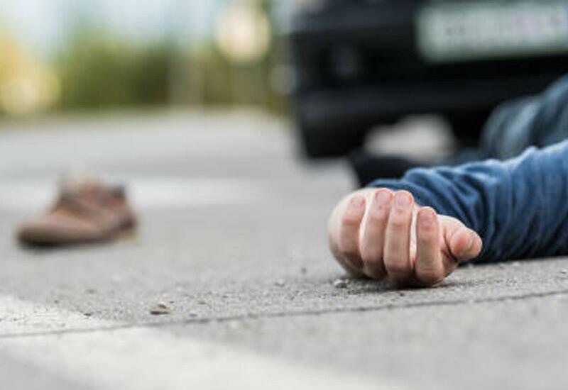 В Кюрдамире микроавтобус сбил насмерть мужчину