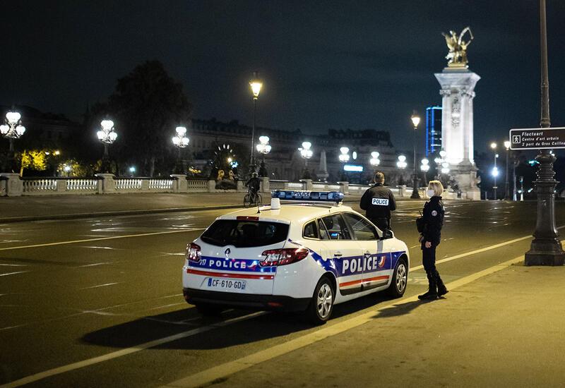 В Париже неизвестный на электросамокате похитил из бутика драгоценности на €2 млн