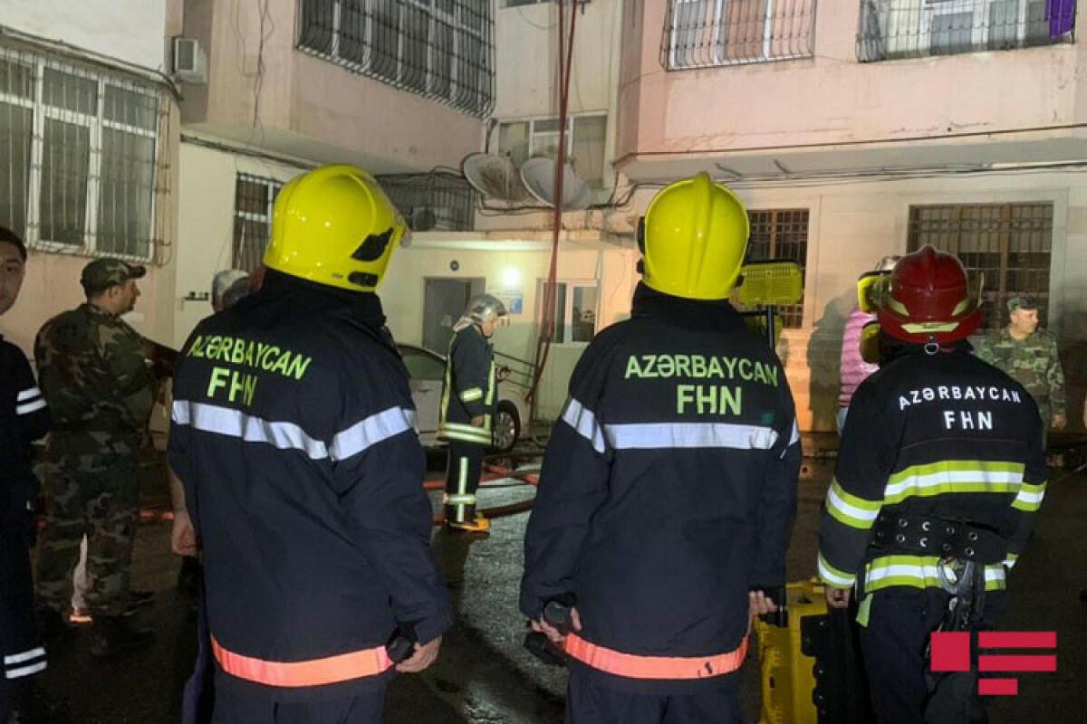 Пожар в многоэтажном здании в Баку
