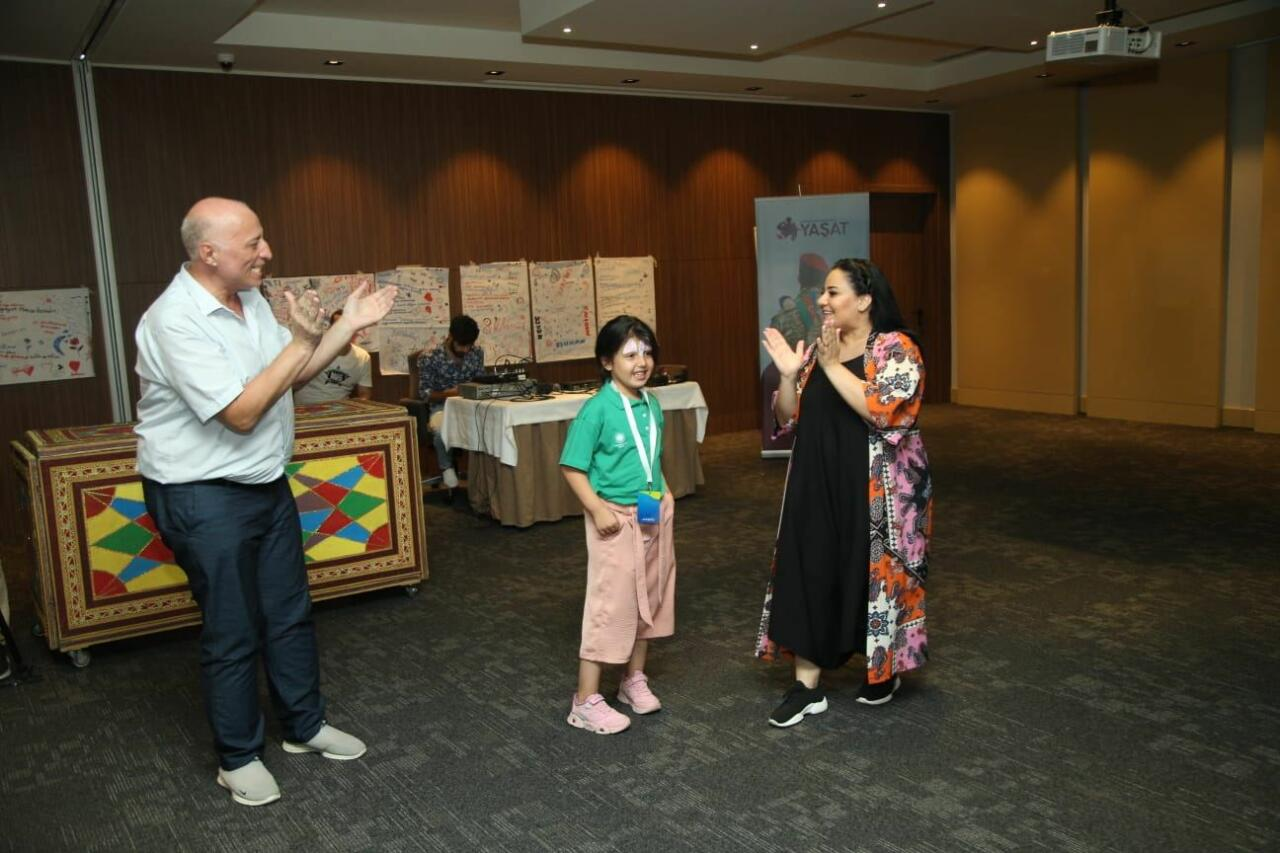 Детям шехидов показали интересное театральное представление