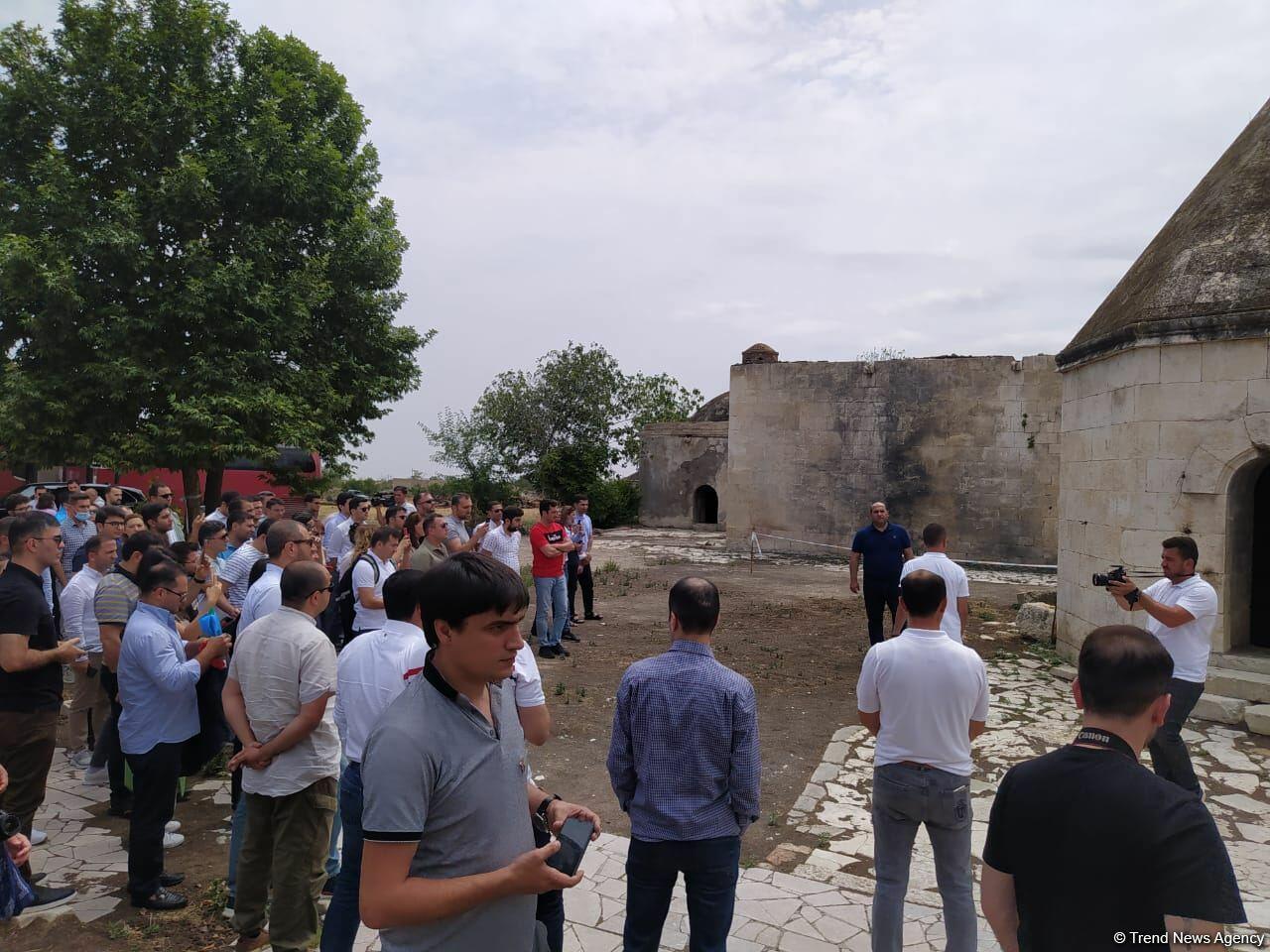 Организована поездка в Агдам азербайджанских выпускников зарубежных вузов
