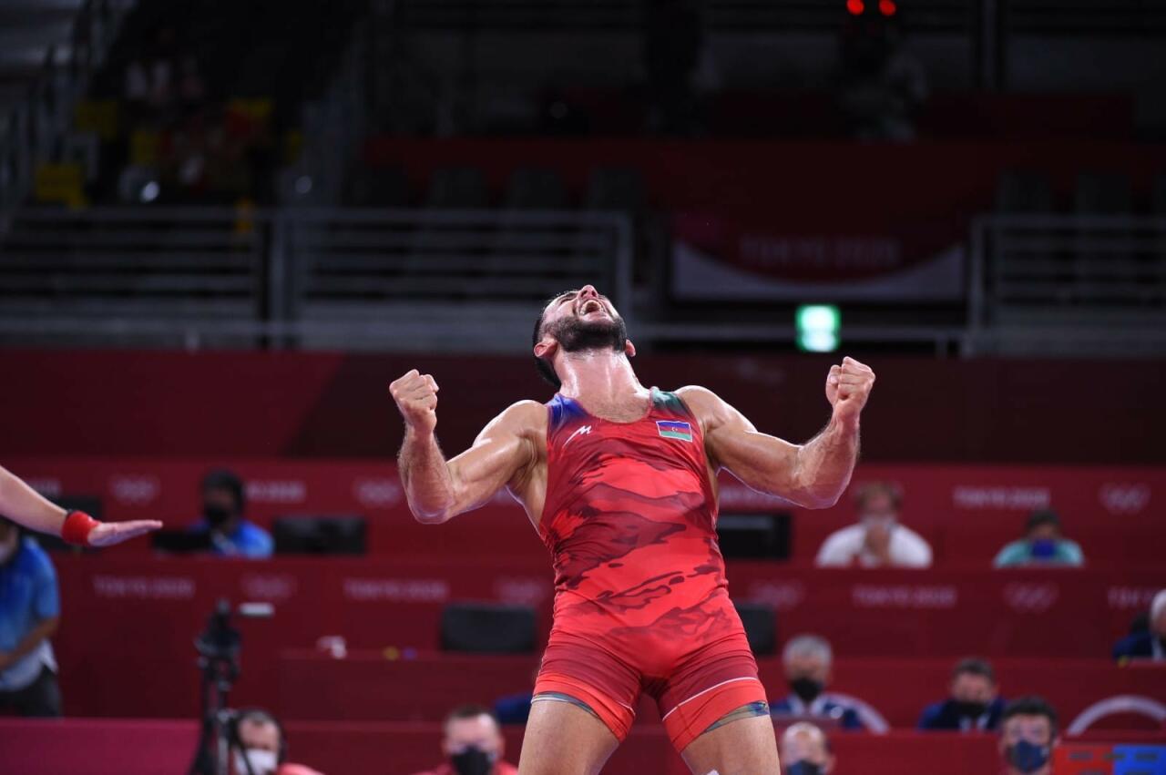 Рафик Гусейнов поверг армянина и завоевал бронзовую медаль на Токио-2020