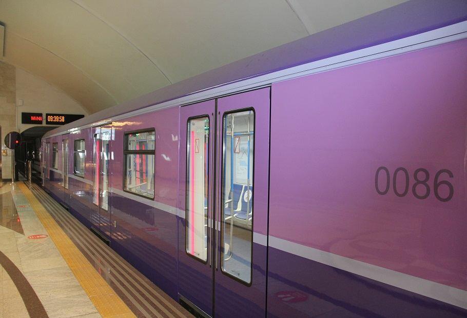В бакинском метро появились четыре новых поезда
