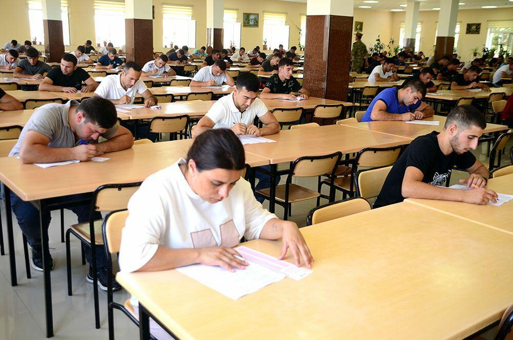В Азербайджане проводятся экзамены по приему на сверхсрочную действительную военную службу