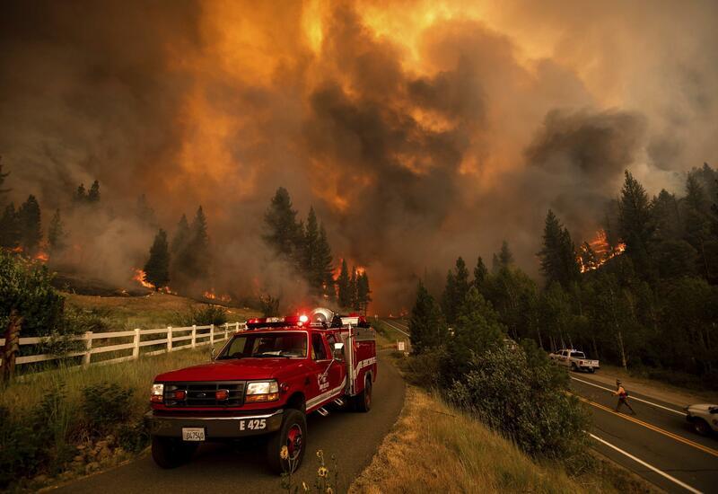 Лесной пожар в Калифорнии распространился на 112 тыс. гектаров