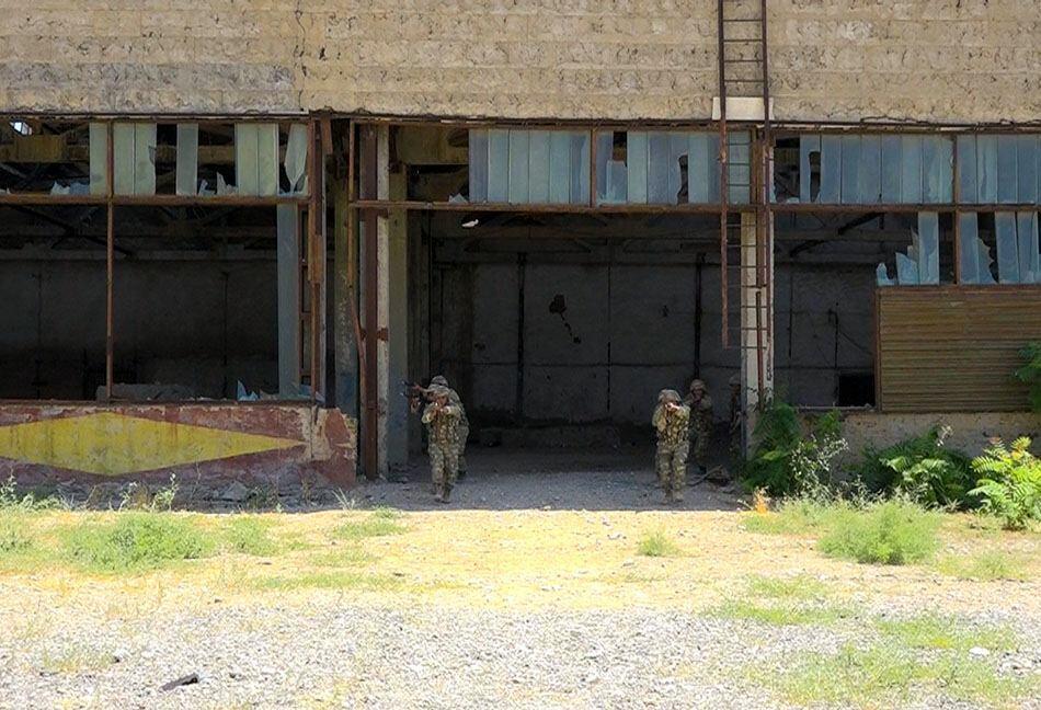 Спецназ Отдельной общевойсковой армии Нахчывана првел учения