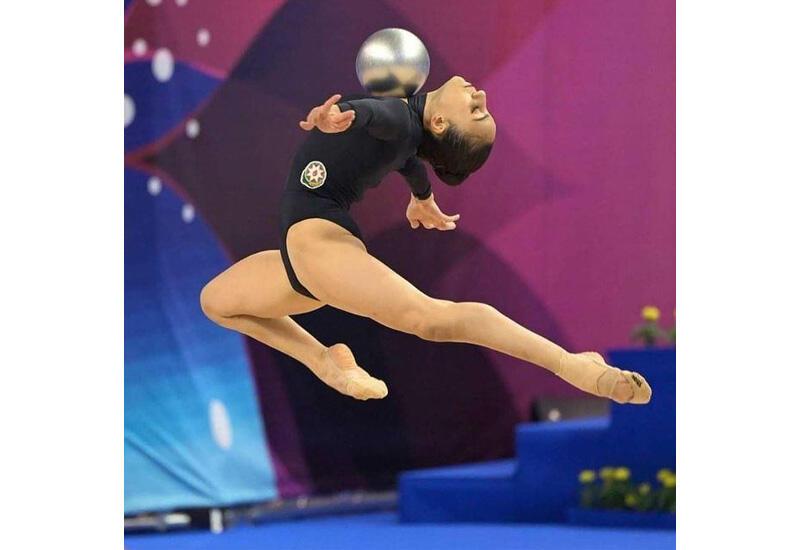 Зохра Агамирова представила упражнение с мячом в рамках соревнований на Олимпиаде в Токио
