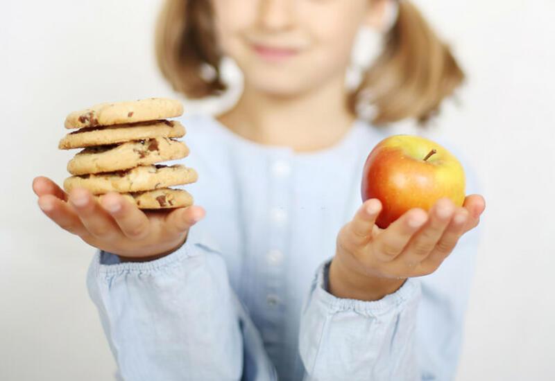 Как научить ребенка питаться правильно и сбалансированно
