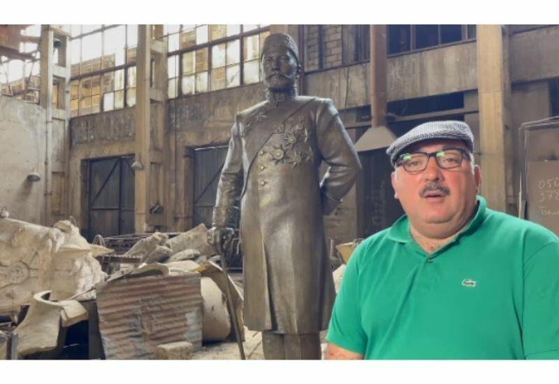 Бахрам Багирзаде показал подписчикам памятник Зейналабдину Тагиеву