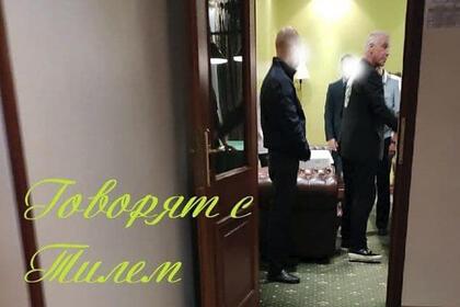 К приехавшему в Россию лидеру Rammstein пришла полиция