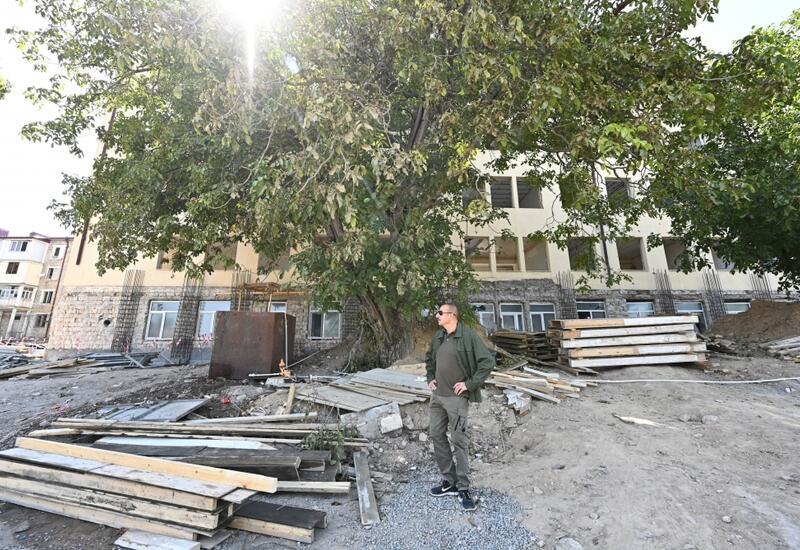 В административном здании в Шуше, где разместится специальное представительство, ведутся реставрационные работы
