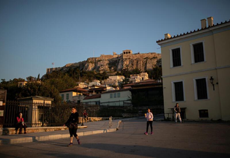 Греция ужесточила ограничительные меры для туристов по всей стране