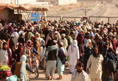 У границ с Ираном и Пакистаном находятся тысячи афганцев