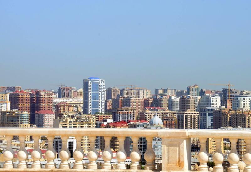 Жителей Баку просят не выходить из дома завтра