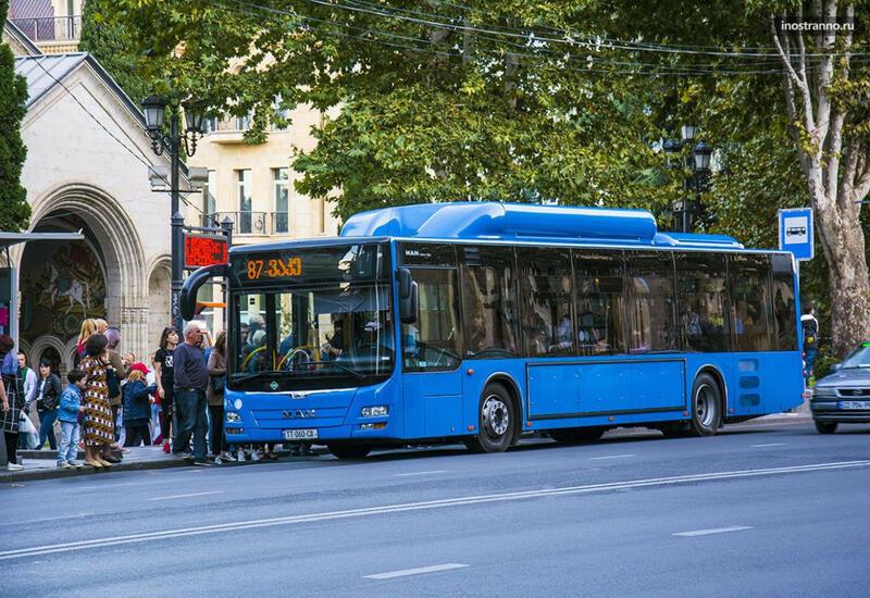 В Грузии возобновляет работу общественный транспорт