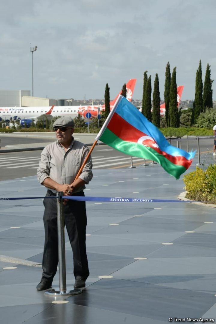 Еще одна группа паралимпийцев Азербайджана вернулась на родину