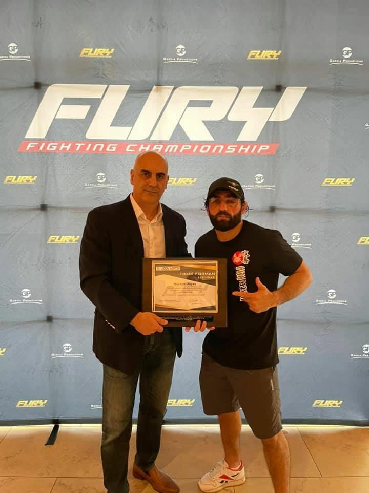 Азербайджанский боец ММА стал победителем турнира в США