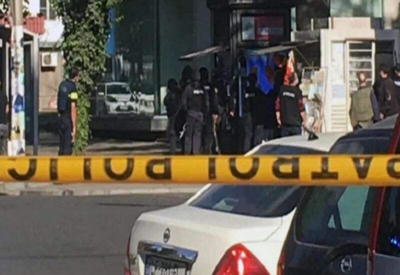 В Грузии вооруженный мужчина напал на банк