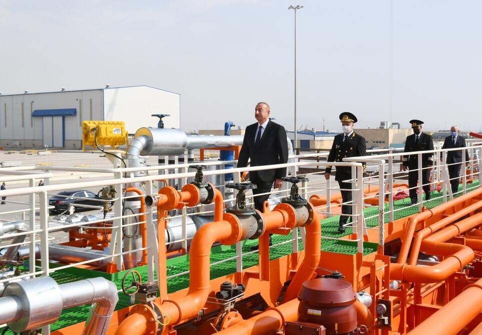 Президент Ильхам Алиев принял участие в церемонии сдачи в эксплуатацию нефтеналивного танкера «Кяльбаджар»