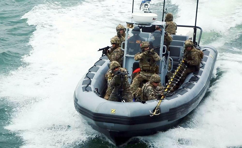 ВС Азербайджана и Турции проводят учения групп подводного нападения и обороны