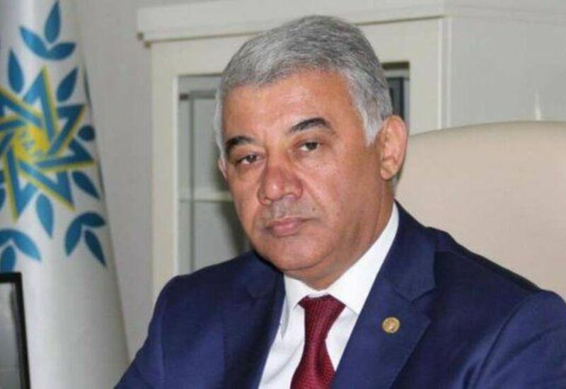 Рамиз Геюшов исключен из правящей партии Азербайджана