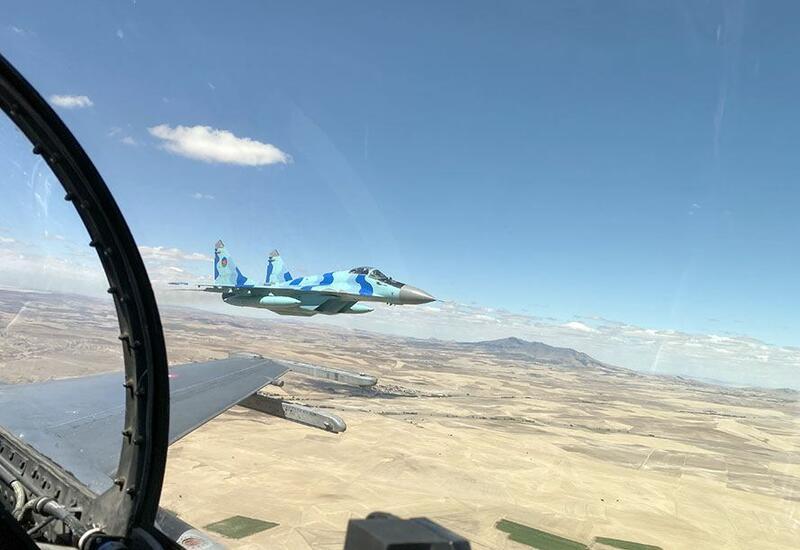 Военные самолеты Азербайджана и Турции совершили оперативные вылеты