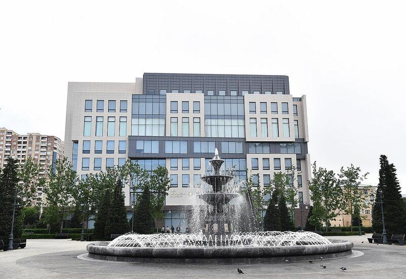 """Проходит заседание правления правящей партии """"Ени Азербайджан"""""""