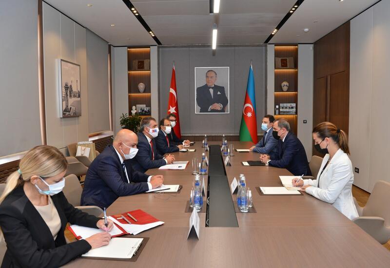 Глава МИД Азербайджана встретился с замминистра иностранных дел Турции