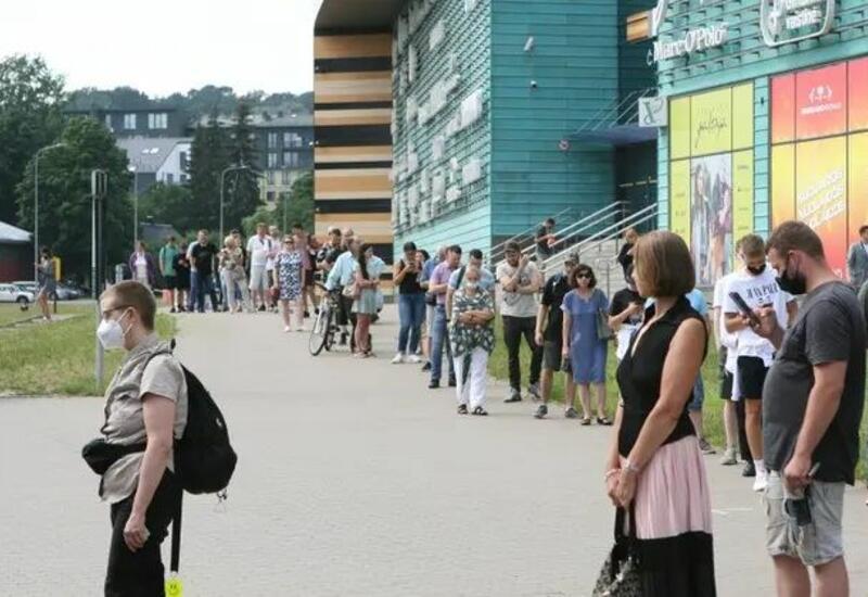 В Литве ввели жесткие ограничения для непривившихся от коронавируса