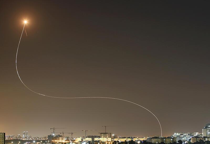 """Момент перехвата ракеты, выпущенной с территории сектора Газа, комплексом """"Железный купол"""""""
