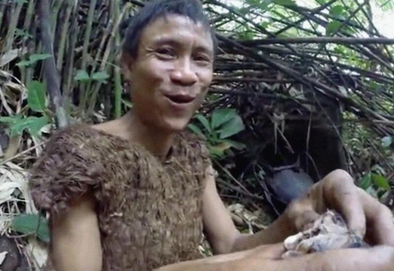 Выросший в джунглях мужчина умер от рака после возвращения к людям