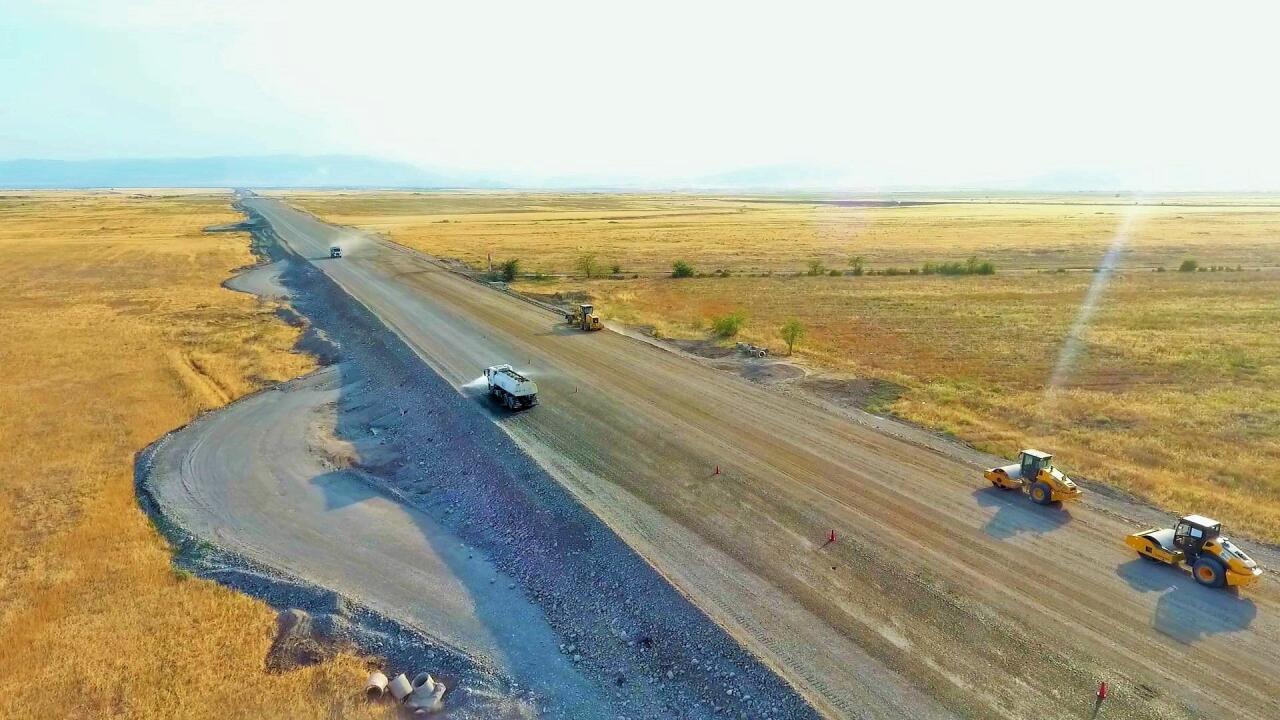 Продолжается строительство автодороги Барда-Агдам