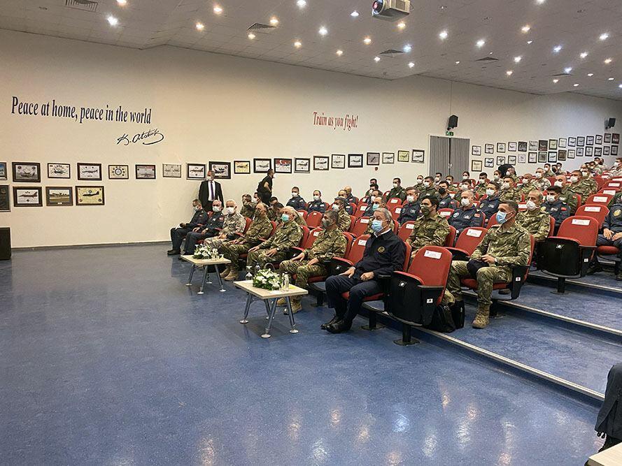 Главы военных ведомств Азербайджана и Турции понаблюдали за ходом совместных учений «Сокол ТурАз – 2021»