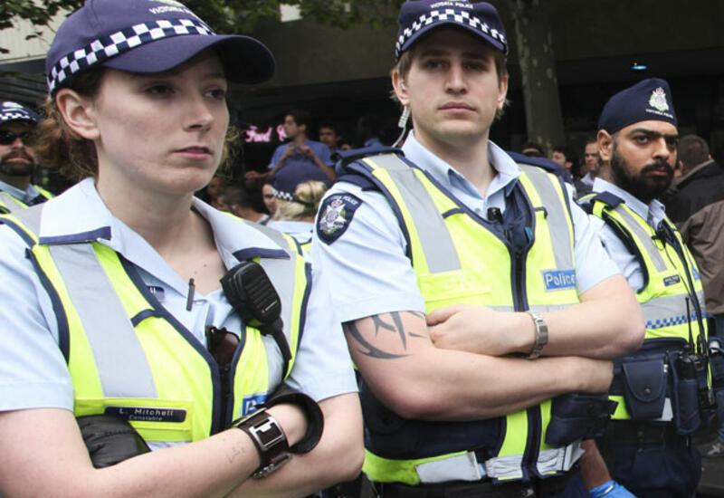 В Сиднее нарушитель карантинного режима избил двух полицейских