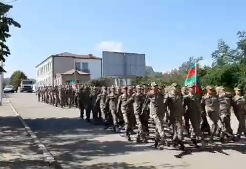 В Шуше прошел военный марш по случаю 103-й годовщины освобождения Баку