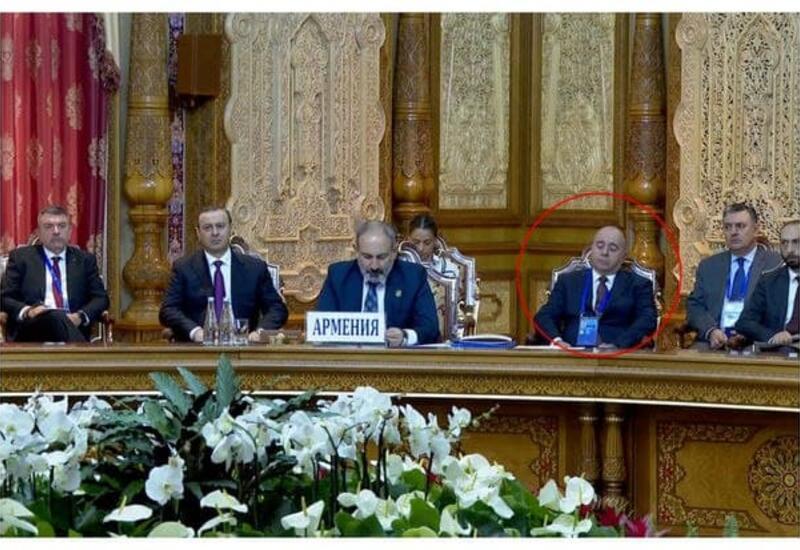 Министр обороны Армении уснул во время выступления Пашиняна
