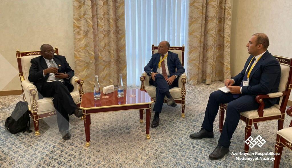 Анар Керимов обсудил с Уэббером Ндоро вопрос восстановления памятников в Карабахе