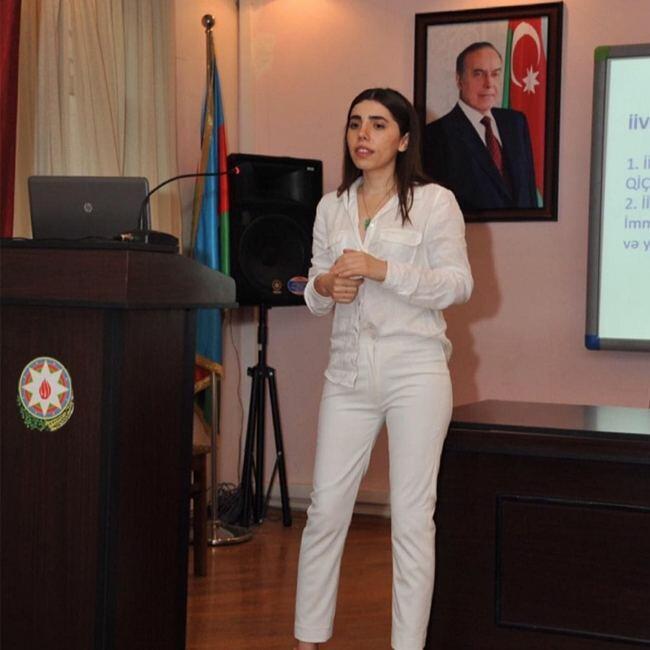 Азербайджанский психолог о причинах страха перед вакцинацией