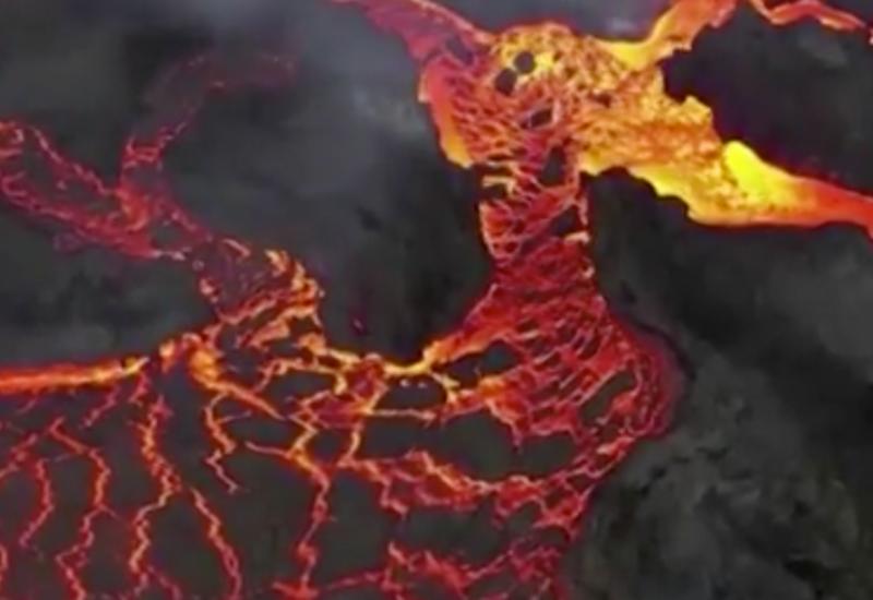 Проснувшийся в Исландии опасный вулкан сняли на видео с воздуха