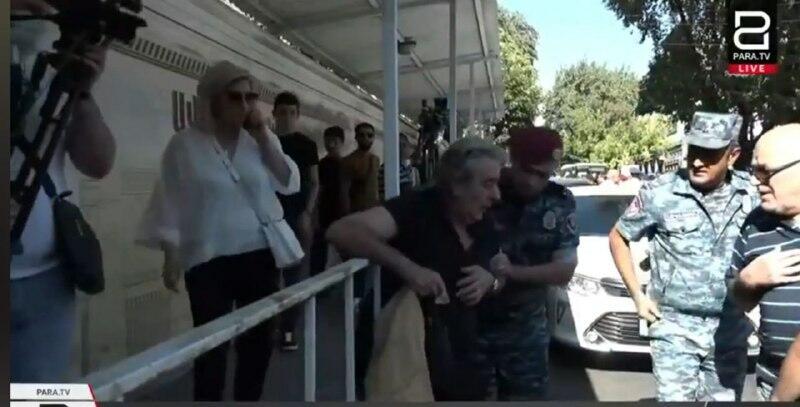 В Ереване снова неспокойно