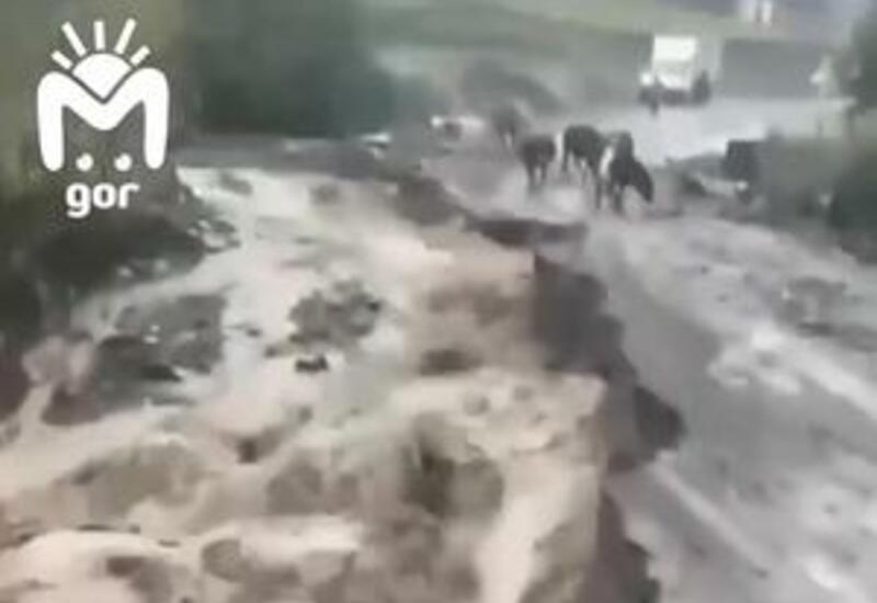 В Дагестане ливни разрушили два километра дороги