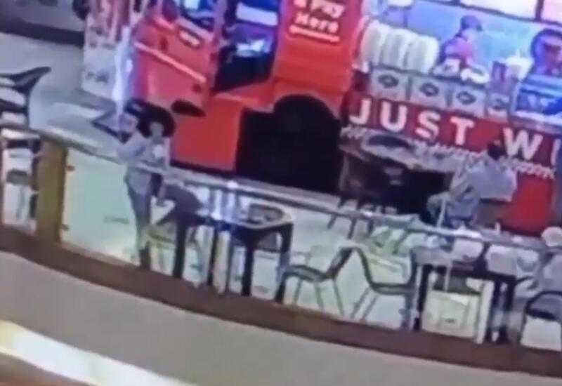 В Египте девушка совершила суицид в торговом центре