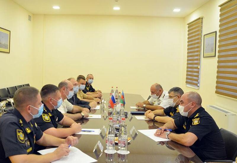 Командование ВМС Азербайджана провело встречу с делегацией Каспийской флотилии РФ
