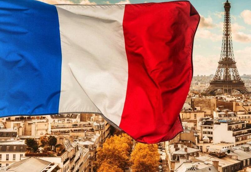 """Политолог объяснил, к чему приведет """"ссора"""" Франции с США и Австралией"""