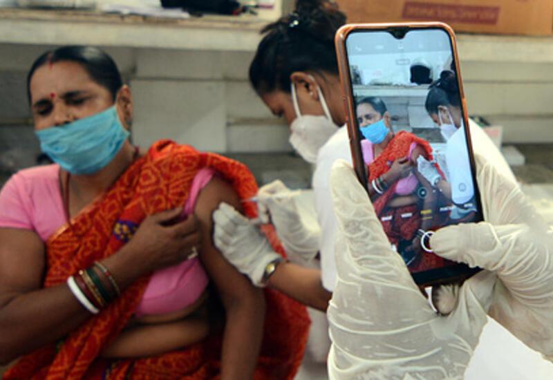 В Индии в честь дня рождения премьера за сутки вакцинировали 22 миллиона человек