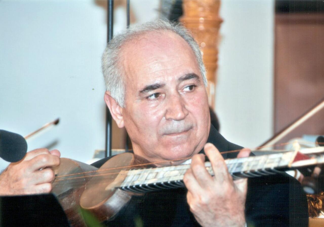 Изданы два новых учебника народного артиста Азербайджана Рамиза Гулиева